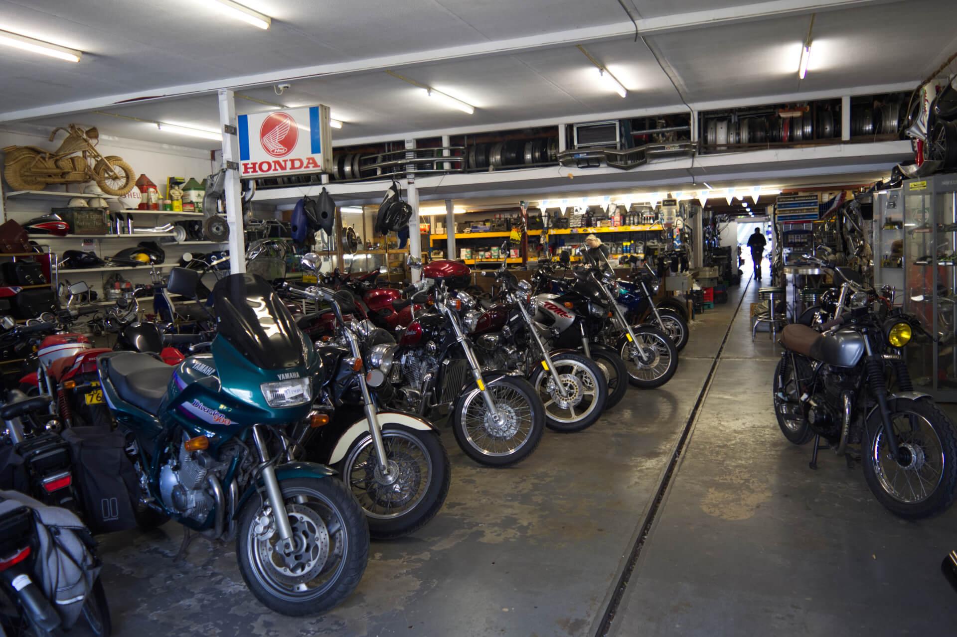 Woesthoff Used Parts & Motorcycles te Brummen - Winkel Voor